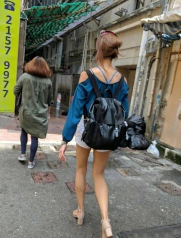 网友街头偶遇港姐冠军 仔细一看被吓坏了(图)