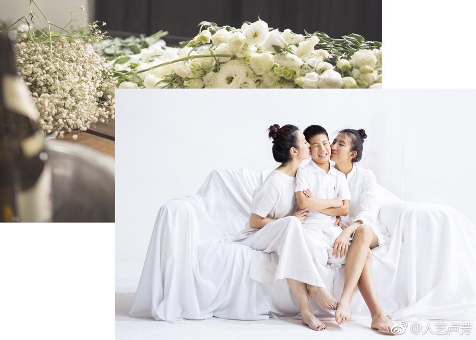 胡军首次缺席女儿生日 娇妻晒儿女温馨合照