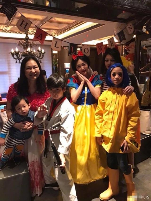 万圣节群星精心打扮齐出怪招你被谁惊吓到了?