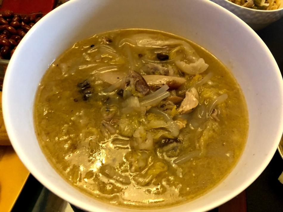 杜海涛晒早餐有肉有菜超丰盛一个人吃8个菜?