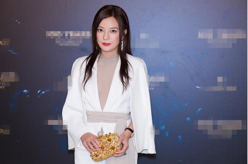 赵薇被市场禁入5年后首现身 心情似未受影响