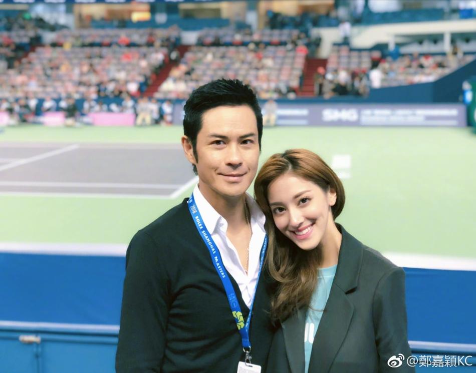 郑嘉颖与小22岁娇妻