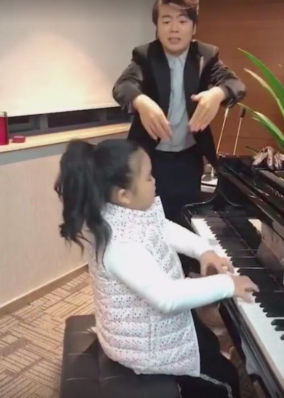 郎朗再现魔性钢琴教