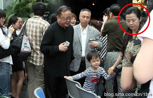 王刚老婆图片 王刚讲故事周末版周末王刚讲故事