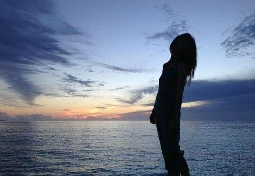 """违章查询    """"谋女郎""""倪妮于6月4日,通过新浪微博晒在海边度假黄昏时"""