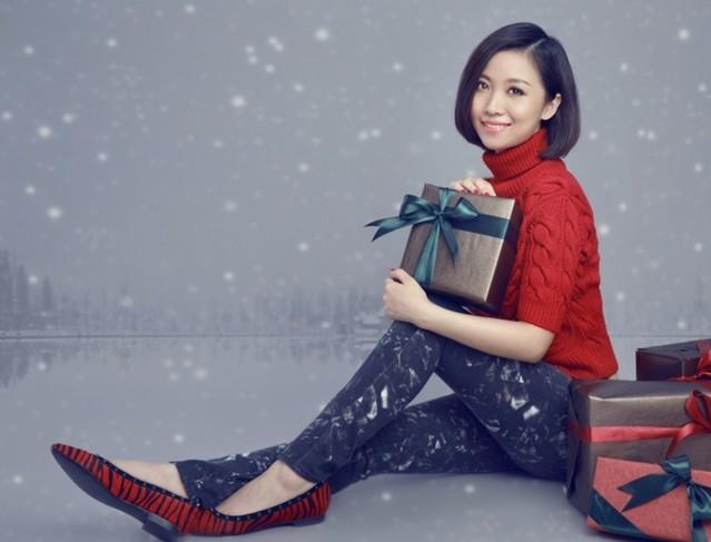 姚贝娜圣诞时尚大片曝光 - 青岛新闻网