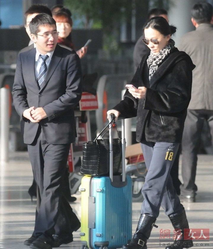 明星2014年最新素颜 刘亦菲脸黑刘嘉玲似路人