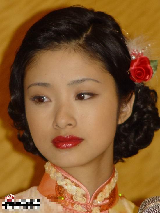 日本女星中国旗袍造型 滨崎步俏皮 上户彩典雅图片