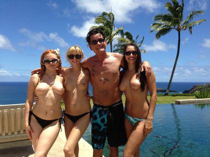 性瘾者查理 辛携3名女优度假