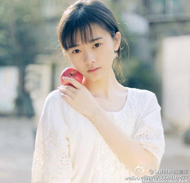 鞠婧祎获评4000年第一美女