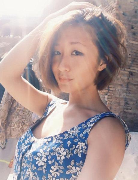 刘欢24岁女儿近照曝光纹身性感 洒脱随性(图)