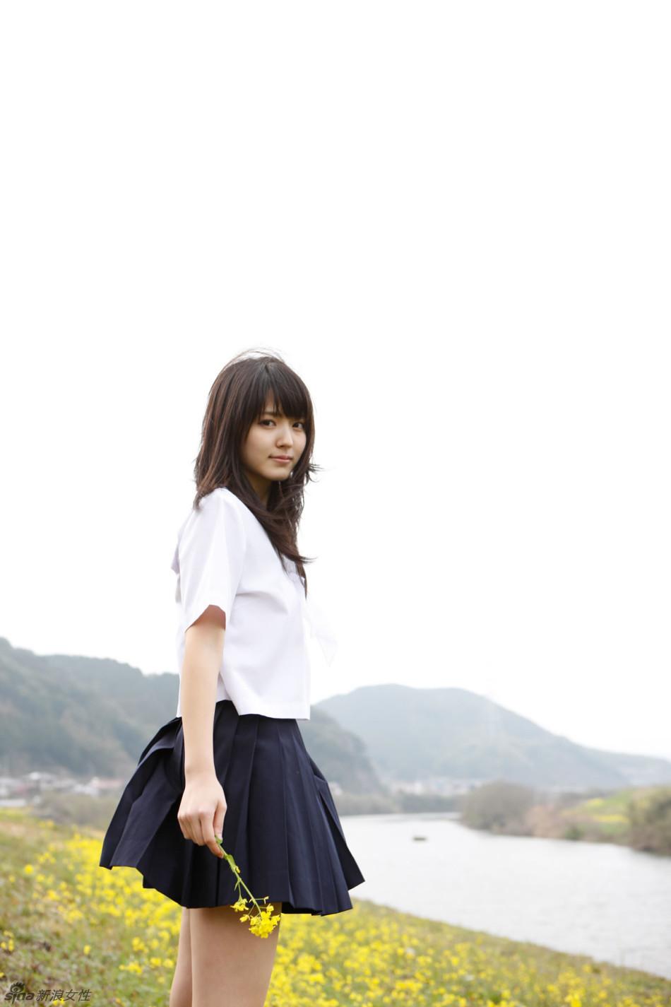 铃木爱理清凉制服写真