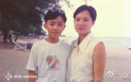 王祖藍小時與媽媽