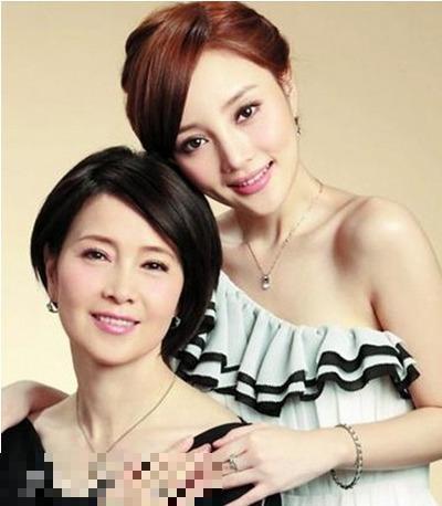 李小璐和媽媽張偉欣