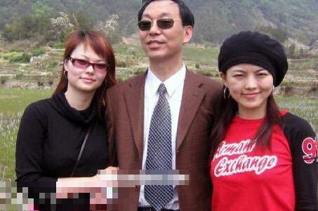 李湘和爸爸、妹妹