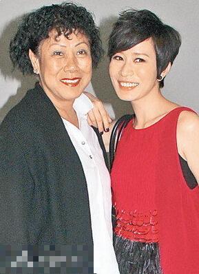 佘詩曼和媽媽