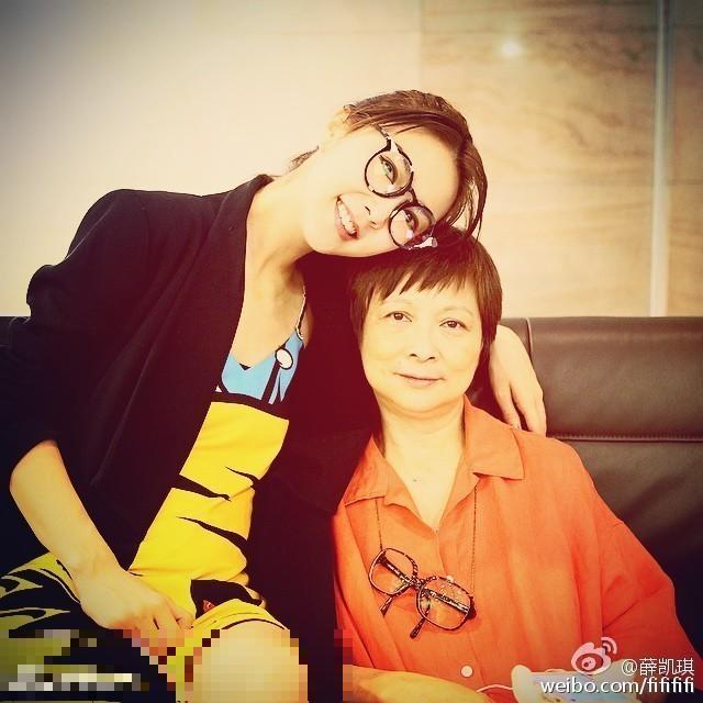 薛凱琪和媽媽