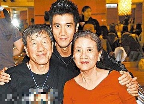 王力宏和父母