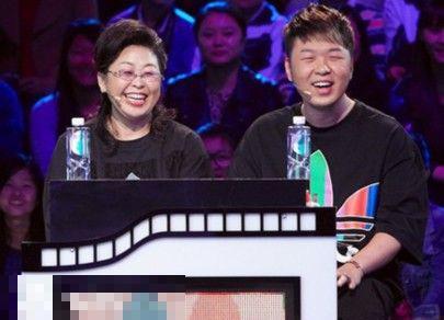 杜海濤和媽媽是不是一樣?